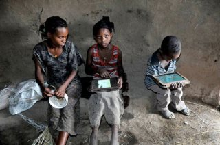 African kids hack PCs with not training
