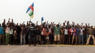 Thousands Block Central African Republic Flights In Plea For Help