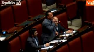 Italian MP 'Blacks Up' In Parliament In Anti-Immigration Tirade