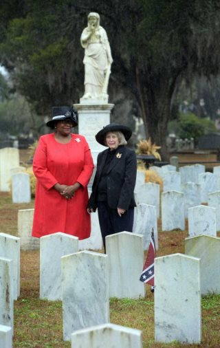 Black Savannah Female Takes Her Place Among United Daughters Of The Confederacy