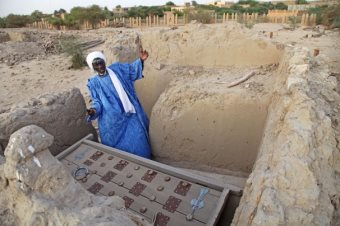After Tombs, Arabs Now Destroying Timbuktu's Manuscripts
