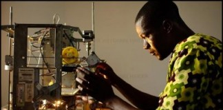 West African Inventor Makes $100 3D Printer From E-Waste