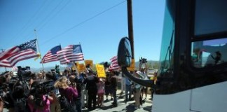 Mobs Block Passage For Buses Carrying Illegal Immigrants In California
