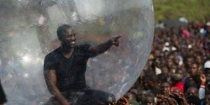 Akon Perform In A Bubble