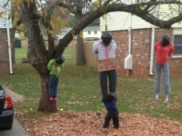 Kentucky Woman Doesn't Find Display Of Black People Hanging From Her Tree Offensive