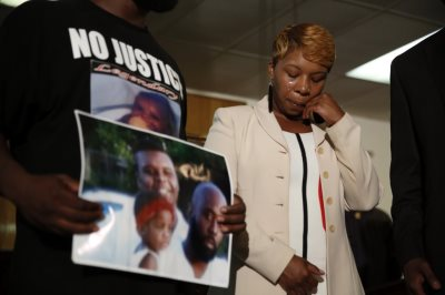 Michael Brown's Mother Could Face Felony Armed Robbery Charges: Report
