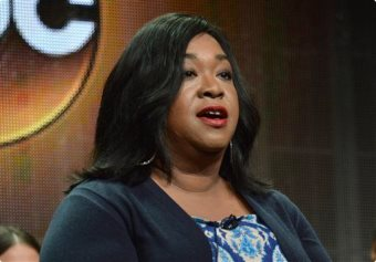 "Shonda Rhimes Calls Out Sony Email Exchange As ""Racist"" Not ""Racially Insensitive"""