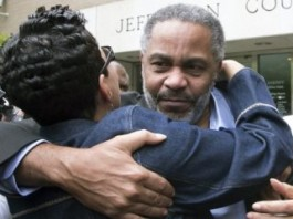 Wrongfully Convicted Alabama Man Freed From Death Row After 28 Years