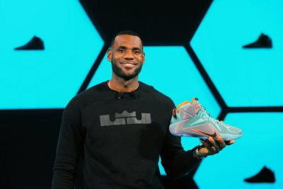 LeBron James Just Signed A Lifetime Deal With Nike – The Largest Athlete Deal In Nike History