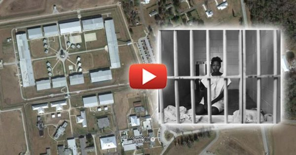 At America's Largest Women's Prison, Inmates Forced To Have Sex For Basic Necessities